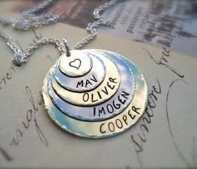 A Mother's LOVE - Necklace FIVE Disc Personalized Pendant Necklace - For Mommy